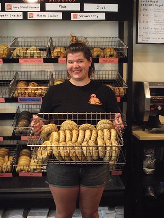 NH - DOVER - LOXSMITH - MANAGER WITH A BASKET OF FRESH BAGELS