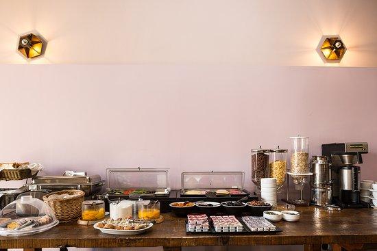 Ark 68 City Rooms: Breakfast