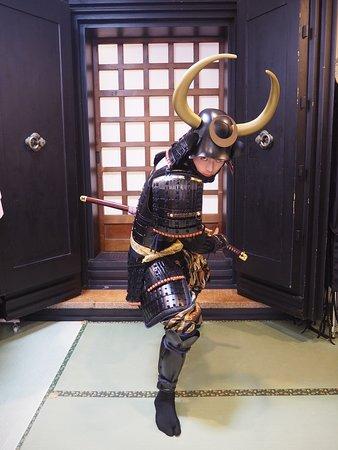 黒田長政甲冑を着用したのお客様のお写真/黑田長政盔甲體驗的客人/Customers' photo (Kuroda Nagamasa Style)