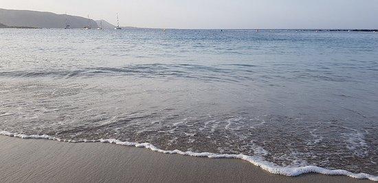 Playa de la Vistas, en este momento (22.08.2019)   Playa de las Vistas, en este momento (23.08.2019)