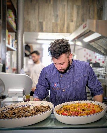 Notre chef cuisinier, Antonio