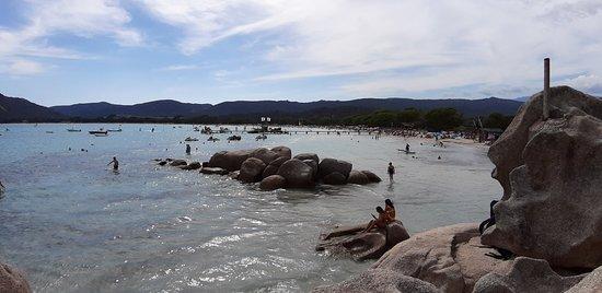 Une plage juste populaire, il y a beaucoup mieux !