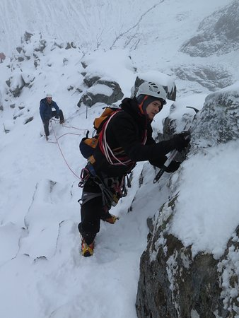 Learn to become a winter mountaineer, Ledge Route, Ben Nevis