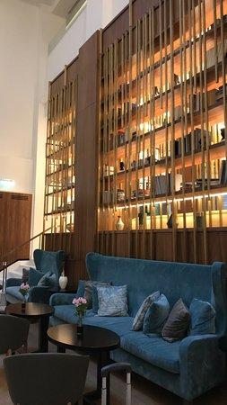 Electra Metropolis Hotel: Lobby