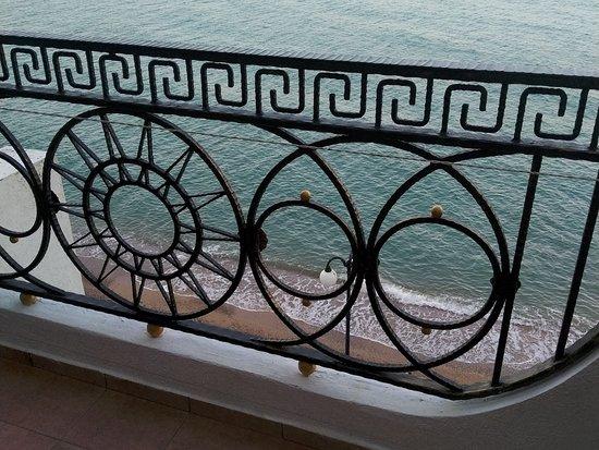 Kacha: Апартаменты Panderoza в Нашем Парусе. Вид с балкона. Море прекрасно!!! 23.08.19