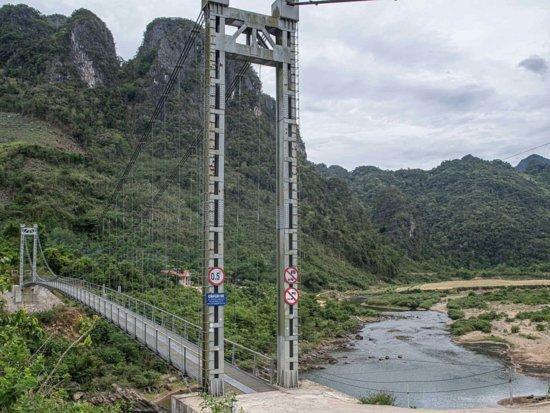 Dakrong Bridge