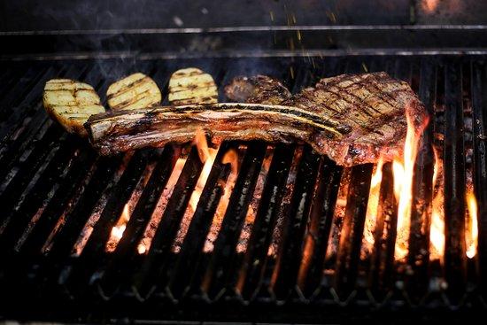 Mama Muú steakhouse & Tapas