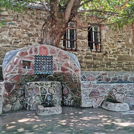 Tovuz city. Azerbaijan. Очень даже. Милое место, обязательно если приедете сюда, при возвращении в Баку по дороге посетите город Шамкир.  Город в бывшем был колонией Германии. Своеобразный, интересный город.