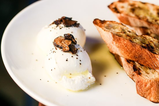Flinders Lane Kitchen & Bar: Burrata and truffles