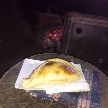 Alto Jahuel, Chile: Turismo rural, empanadas de pino cocidas en horno de barro