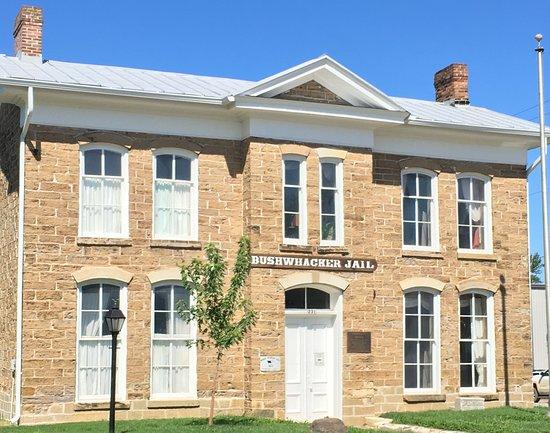 Nevada, Missouri: Bushwhacker Museum and Jail