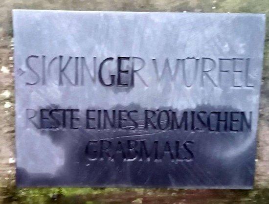 Sickinger Wuerfel - Roemisches Grabmal