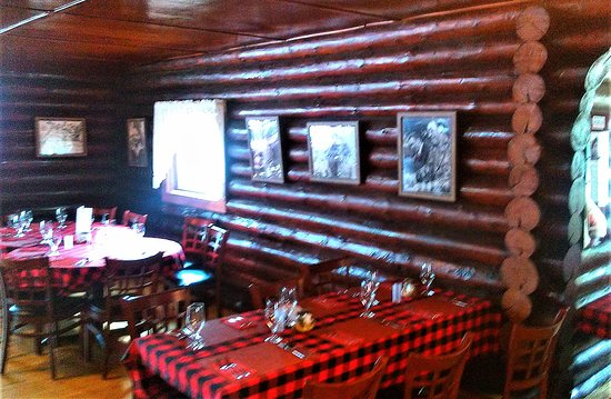 Michigamme, MI: interior ready for the dinner rush