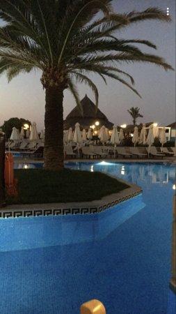 Atlantica Creta Paradise: Pool/ sea view