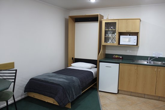 Optional single bed in the Executive One Bedroom Unit