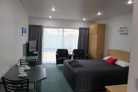 Studio Plus Unit.  A Studio unit with a King Bed and an optional Single Murphy Bed.  Sleeps a maximum of 3 people