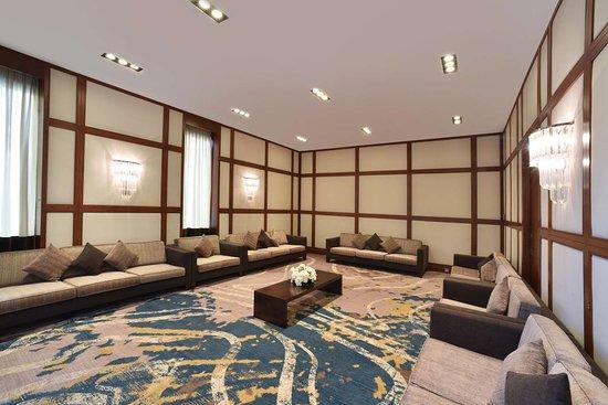 Mangaf, คูเวต: Meeting Room