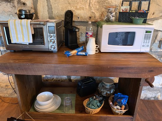 Hill Country kitchenette