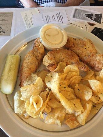 Wildflower Cafe: Chicken strips lunch