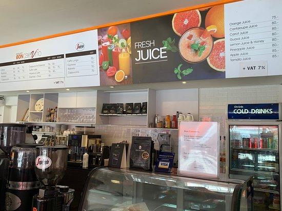 Bon Cafe: Coffee or Fresh Juice?