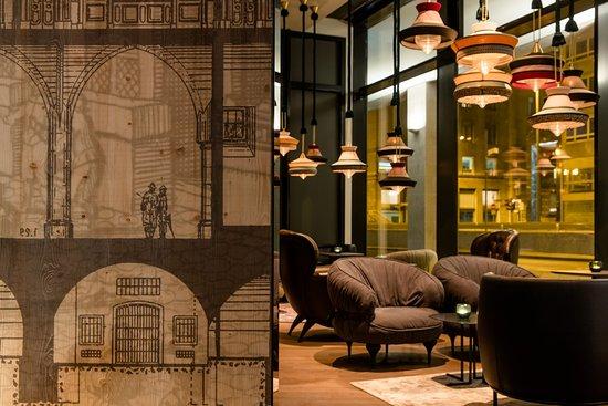Motel One Frankfurt-Romer: Bar/Lounge