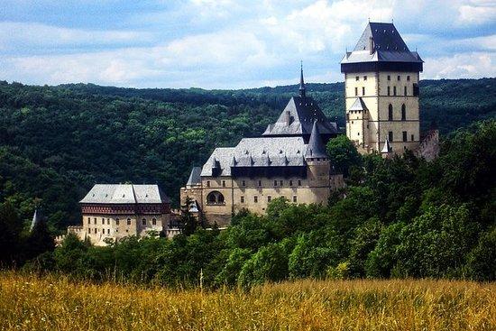 从布拉格的Karlstejn城堡半日游