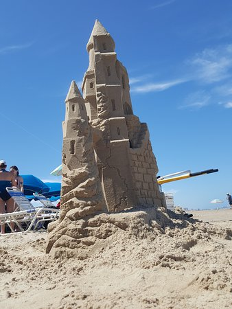 Sandcastle Lessons: It can grow from the Gound up using a stable base shaped initially like a #Volcano