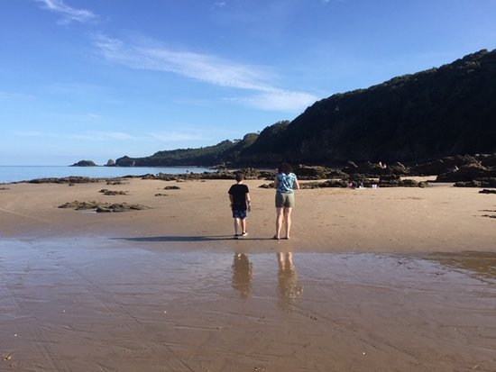 Saundersfoot Beach: Saundersfoot, great rock pools.