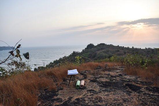 Auf dem Hilltop entsteht ein Yogahut mit Sicht zum träumen...