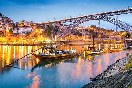 Apri la bellezza di Porto in 12 ore in un viaggio privato per un massimo di 3 persone: Open the beauty of Porto in 12 hours on a private trip for up to 3 people