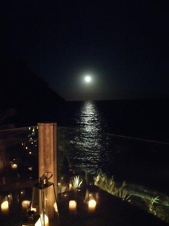 Amante Ibiza: Un extra de la casa: luna llena