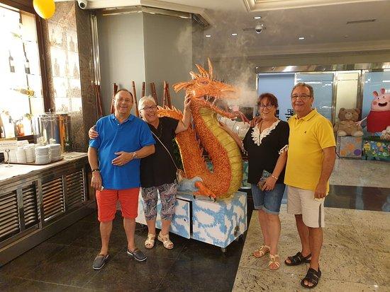 Hemos estado una semana en el hotel indalo  park y nos ha gustado mucho todos muy amables en el comedor Luis súper amable y los de animación