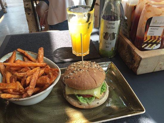 Käse cheese burger , sweet potato fries , passion fruit Schorle & black coffee