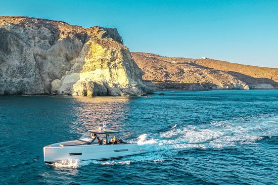 Santorini Luxury Private Cruise aboard m/y CAVO