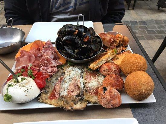 Antipasti, plats italiens, super vin... bref plein de bonne choses à prix démocratiques. Belle découverte.