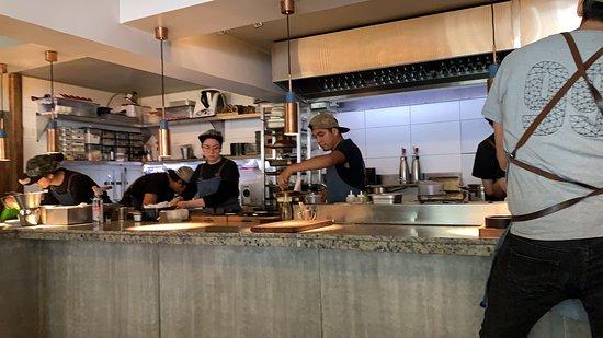 99 Restaurante: Cozinha impecável