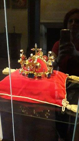 La preziosissima corona