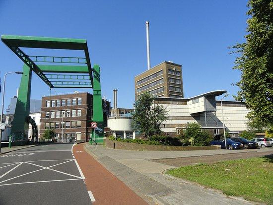Delft, Hà Lan: Lepelbrug en DSM (voormalige Gist)