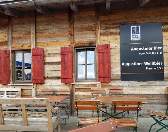 "Laggner""s Almhutte: Great beer hall"
