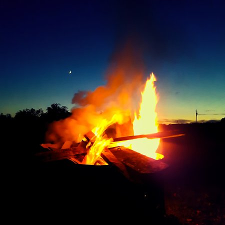 The best part of camping has got to be campfires under the stars.