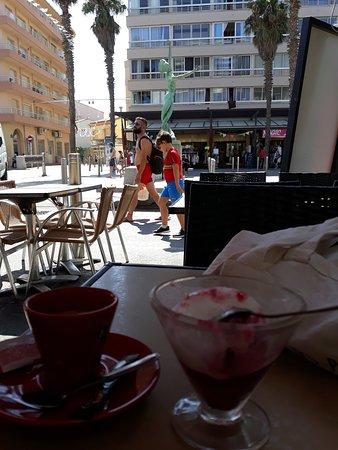 Brasserie Italienne: Sorbet et café à fuire 😖