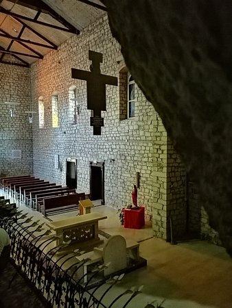 Sassinoro, Italia: Grotta