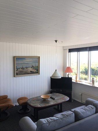 Aa Strand Camping: Stue i ferielejligheden