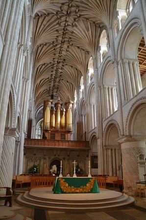 Norwich Cathedral: Altar and Nave