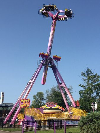Mind Warp is WNY's most thrilling attraction. Ride in a giant pendulum that travels completely upside-down while each individual gondola spins.
