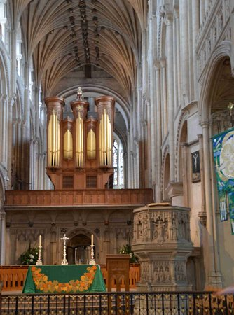Norwich Cathedral: Altar and Organ