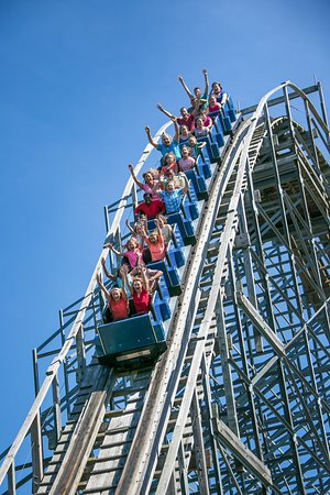 The Silver Comet is Western NY's best wooden coaster. Modeled after the famous Crystal Beach Comet, this new-generation wooden coaster is a fan favorite. Guests travel to Fantasy Island from all over the world to ride this wooden masterpiece.