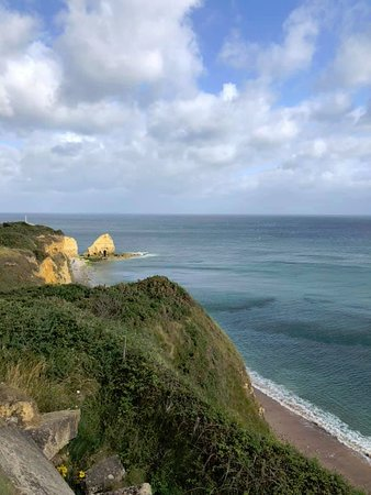 All-American Private Day Tour to Normandy D-Day Beaches from Paris: Pointe du Hoc