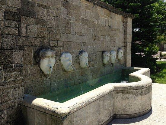 Fuente de los Canos San Francisco fountain
