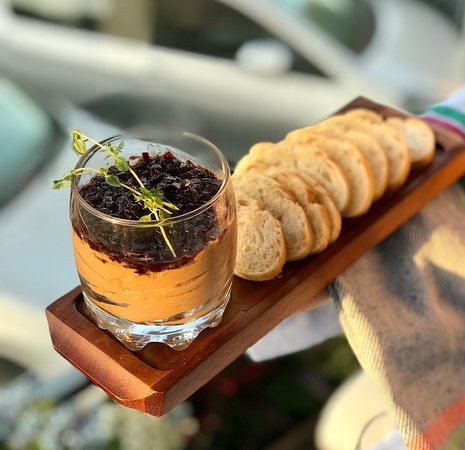 Ginger Restaurant & Bar: Chicken liver pâté with cognac, onion marmalade and toasts
